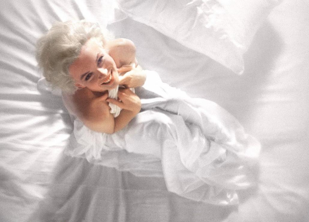 Ágyba bújni Monroe-val, együtt cigarettázni Chanellel